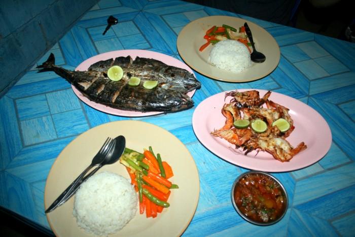 Čerstvé ryby a mořské plody za fajn ceny na Lomboku / foto: dovolenkářka