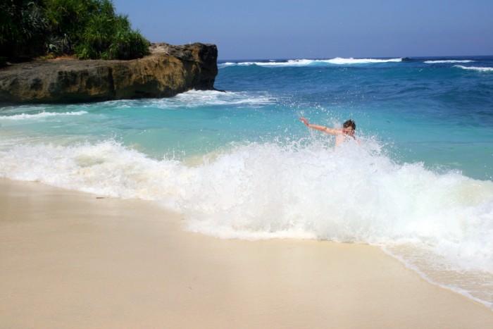 Kája ve vlnách / foto: dovolenkářka