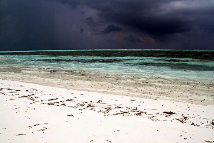 Maledivy před bouřkou / foto: Petra Švehlová Stowasserová